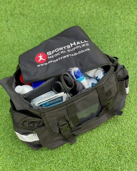 Pitchbag with contents